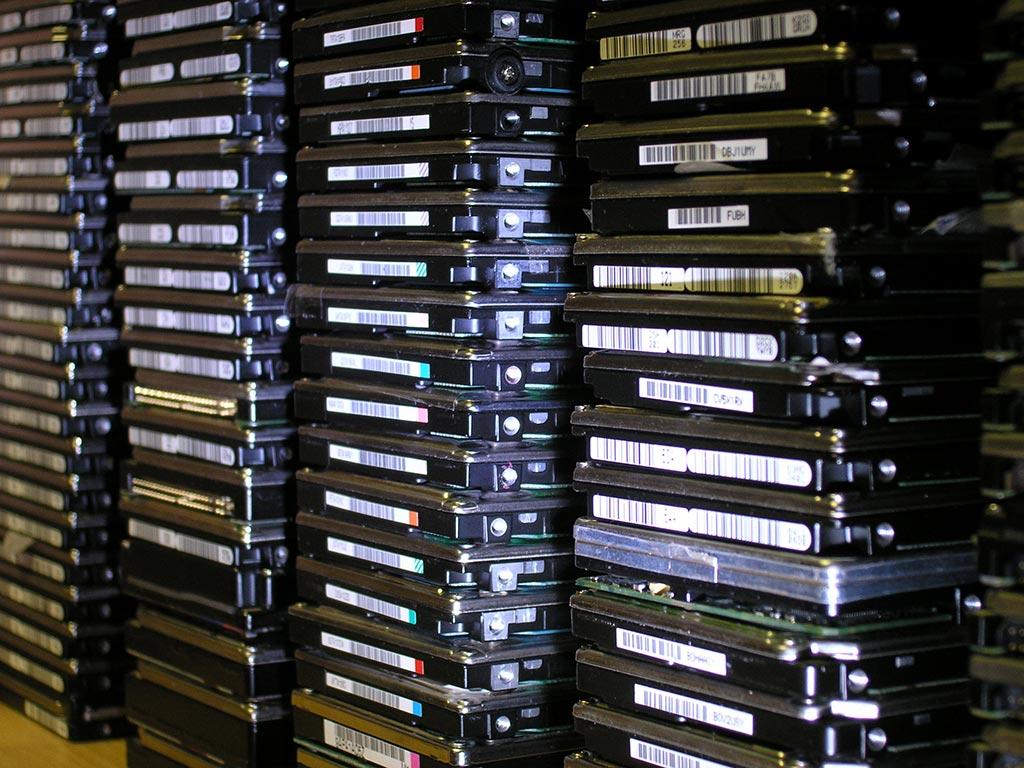 stari-hard-disk-pohrana-podataka